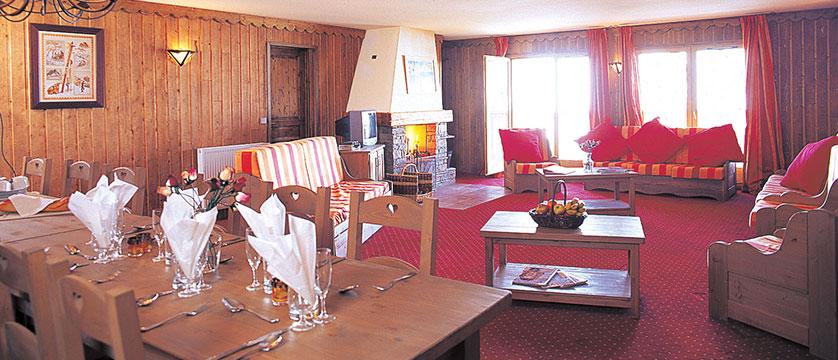 France_Les-Arcs_Chalet-Julien_Dining-room-example.jpg